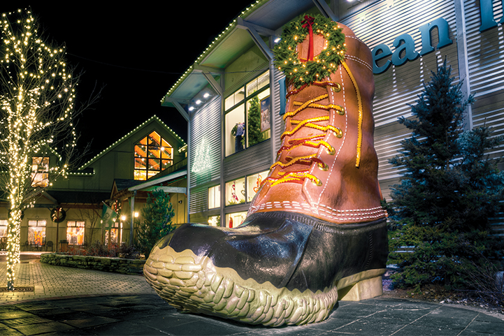 Freeport Holiday  Decorations at L.L. Bean